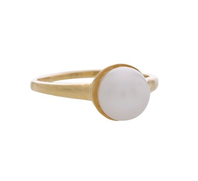 Classic Pearl Finger Ring